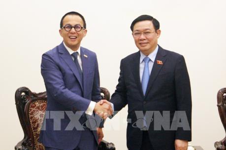 Phó Thủ tướng Vương Đình Huệ đề nghị FWD tài trợ các dự án khởi nghiệp, đổi mới sáng tạo