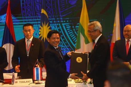 Ký nhiều văn kiện quan trọng tại Hội nghị Bộ trưởng Giao thông Vận tải ASEAN lần thứ 25