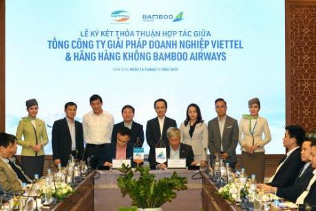 Bamboo Airways và Viettel hợp tác nghiên cứu hệ thống wifi trên chuyến bay