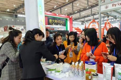 Sự ra mắt của Vinamlik tại Trung Quốc thu hút truyền thông