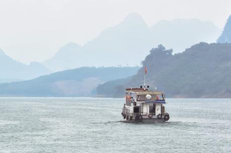 Trật tự an toàn giao thông trên hồ Hòa Bình được cải thiện