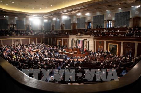 Hạ viện Mỹ thông qua biện pháp chi tiêu tạm thời