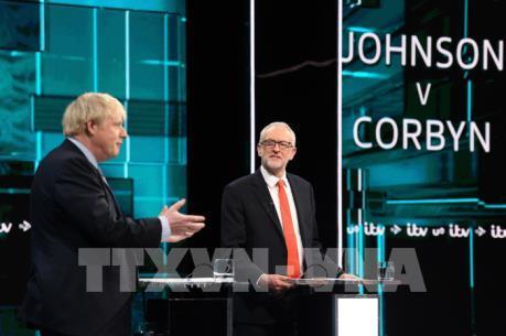 Thủ tướng Anh và thủ lĩnh Công đảng tranh luận trực tiếp trên truyền hình