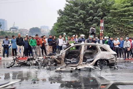 Hà Nội: Tai nạn giao thông liên hoàn làm một phụ nữ tử vong