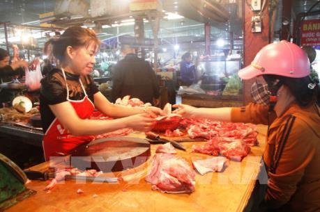 Phó Thủ tướng Vương Đình Huệ yêu cầu báo cáo về tình hình giá thịt lợn
