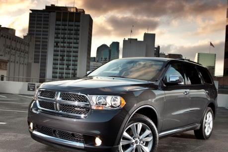 Fiat Chrysler sẽ thu hồi gần 700.000 xe SUV để sửa lỗi kết nối điện
