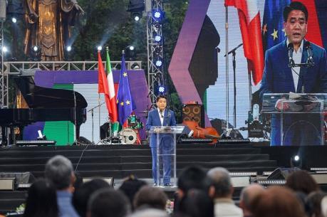 Chủ tịch Hà Nội Nguyễn Đức Chung được trao Huân chương Công trạng của Italy