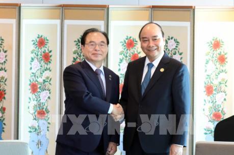 Thủ tướng Nguyễn Xuân Phúc tiếp Thị trưởng thành phố Busan, Hàn Quốc