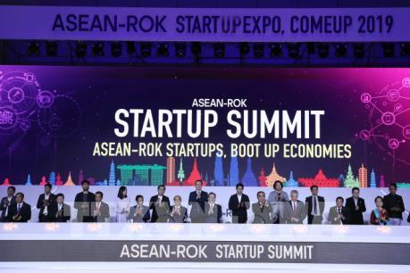 Hội nghị ASEAN-Hàn Quốc: Thủ tướng dự Phiên họp thứ hai trong khuôn khổ hội nghị