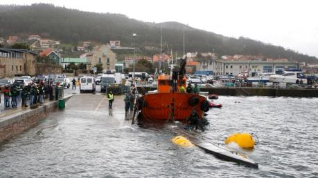 Bắt giữ tàu ngầm chở lậu 3 tấn ma túy vào châu Âu
