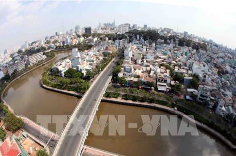 Yêu cầu Tp. Hồ Chí Minh giải quyết đúng pháp luật khiếu nại tại dự án vệ sinh môi trường