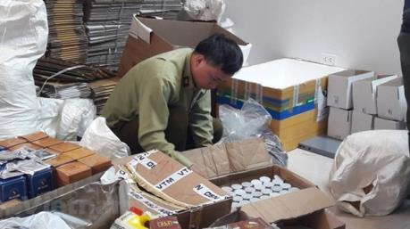 Hà Nội phát hiện lô mỹ phẩm không rõ nguồn gốc trị giá gần 1 tỉ đồng