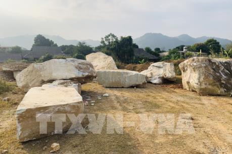 Kiên quyết xử lý dứt điểm việc khai thác đá trái phép tại xã Suối Giàng