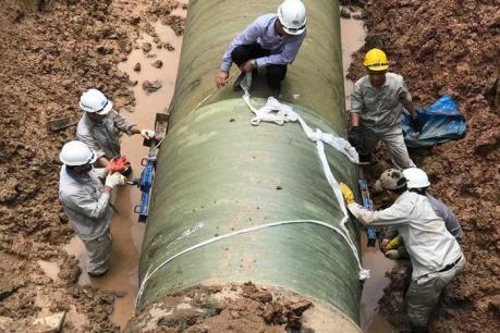 Thủ tướng yêu cầu kiểm tra phản ánh về đường ống truyền tải nước sạch sông Đà bị rò rỉ