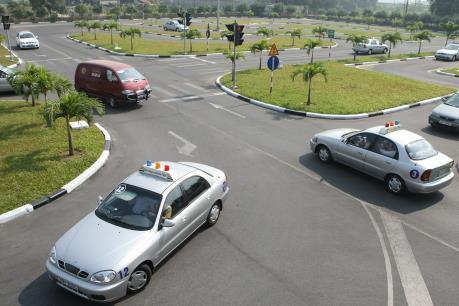 Yêu cầu lắp camera giám sát đào tạo lái xe trước ngày 25/12
