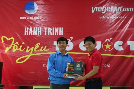 """Vietjet Air với """"Hành trình Tôi yêu Tổ quốc tôi"""" tại Thừa Thiên Huế"""