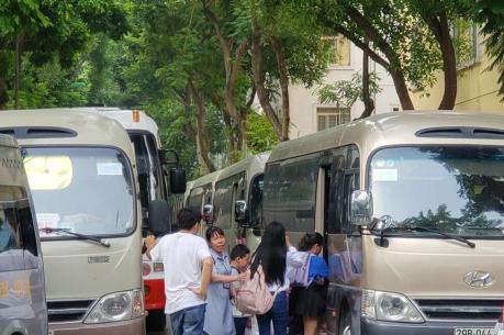 Hà Nội siết quản lý xe đưa đón học sinh