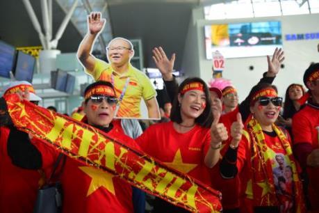 Người hâm mộ sang Philippines tiếp lửa đội tuyển U22 Việt Nam