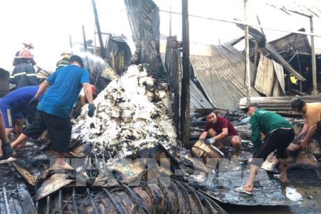 Cà Mau: Hỏa hoạn làm 1 người tử vong, 12 căn nhà bị thiêu rụi
