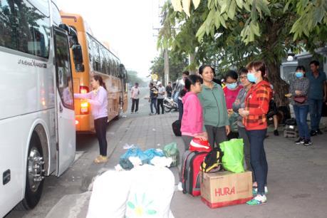 Tặng công nhân 2.000 vé về quê đón Tết Canh Tý 2020
