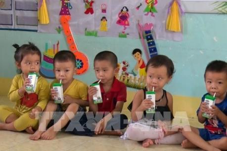 Sữa học đường cải thiện dinh dưỡng cho học sinh huyện nghèo tỉnh Phú Yên