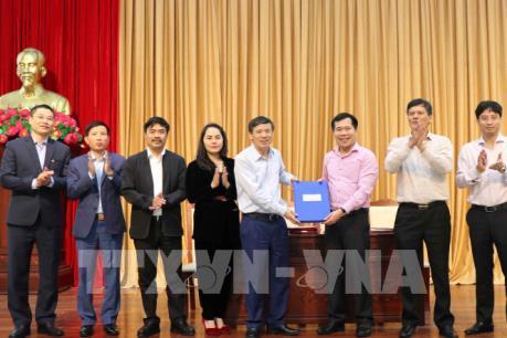 Bắc Ninh bàn giao hồ sơ mốc đường dây và trạm biến áp 110kV cho các địa phương