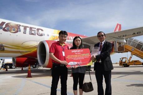 Vietjet Air cùng Khánh Hòa chào đón vị khách thứ 10 triệu trong năm 2019