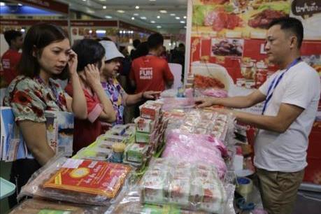 Khai mạc Hội chợ mua sắm và ẩm thực hàng Việt Nam - Thái Lan