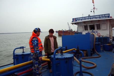 Bộ tư lệnh Vùng Cảnh sát biển 1: Tạm giữ 30.000 lít dầu không rõ nguồn gốc