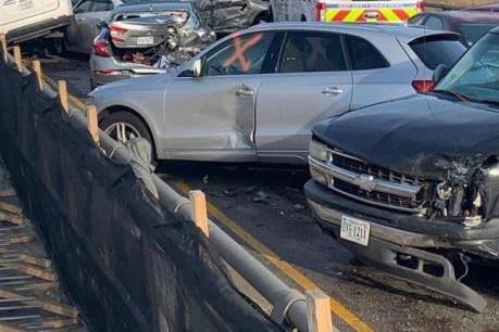 Mỹ: Gần 70 ô tô đâm nhau làm hơn 50 người phải nhập viện