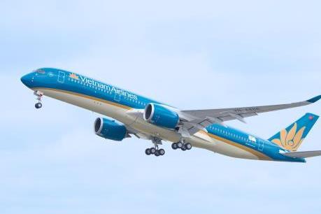 Từ 9/1/2020, Vietnam Airlines vận chuyển cành đào, cành mai dịp Tết Canh Tý 2020