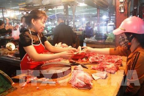 Giá thịt lợn tăng cao, người dân thay đổi thói quen tiêu dùng
