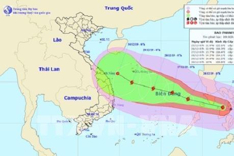 Bão Phanfone đi vào Biển Đông thành cơn bão số 8