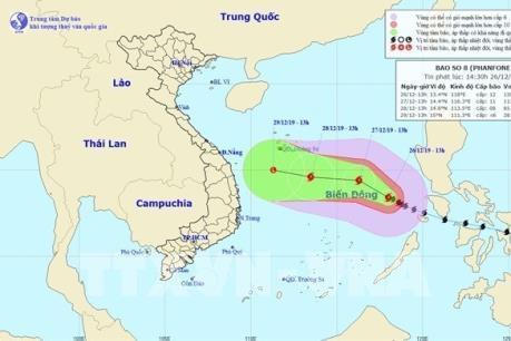 Bão số 8 giật tăng lên cấp 15, sóng biển cao từ 7-9 m, biển động dữ dội