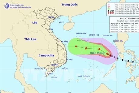 Bão số 8 giảm cấp, biển động dữ dội, sóng cao 5-7 m