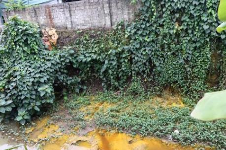 Hòa Bình: Lập biên bản doanh nghiệp xả trộm nước thải ra suối Dụ