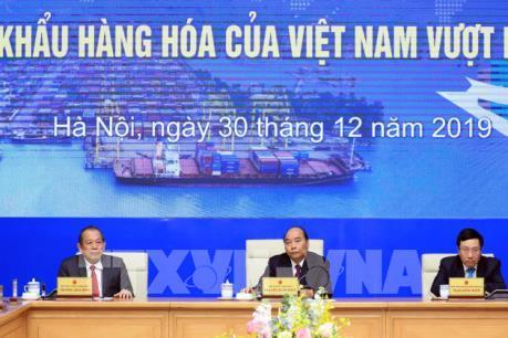 Thủ tướng dự Lễ ghi nhận xuất nhập khẩu hàng hóa của Việt Nam đạt mốc 500 tỷ USD