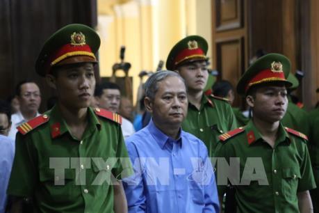 Tuyên phạt nguyên Phó Chủ tịch UBND Tp Hồ Chí Minh Nguyễn Hữu Tín 7 năm tù