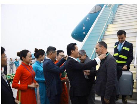 Cảng Nội Bài đón vị khách quốc tế đầu tiên năm 2020 đến Hà Nội