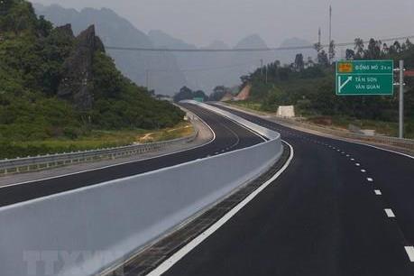 Ưu tiên xây dựng các dự án giao thông trọng điểm quốc gia đã có vốn