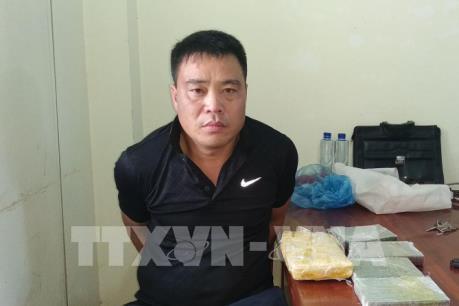 Điện Biên: Bắt đối tượng mua bán trái phép 4 bánh heroin, 6.000 viên ma túy