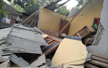 Indonesia liên tiếp động đất