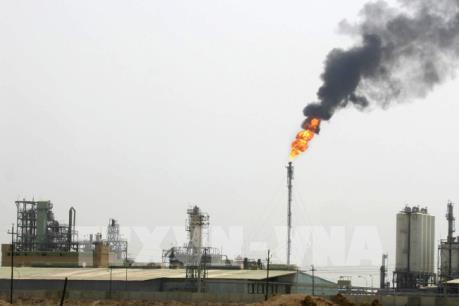 Giá dầu tăng mạnh sau vụ Iran phóng tên lửa vào các căn cứ quân sự Mỹ tại Iraq