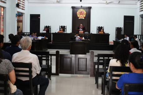 Hoãn phiên tòa phúc thẩm vụ án trốn thuế ở Khánh Hòa