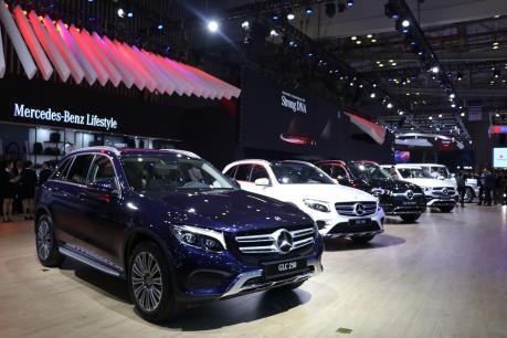 Sau giảm giá mạnh, thị trường ô tô Việt Nam chạm ngưỡng 400.000 xe