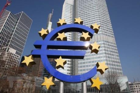 ECB nới lỏng quy định về vốn phòng ngừa rủi ro nhằm trấn an thị trường
