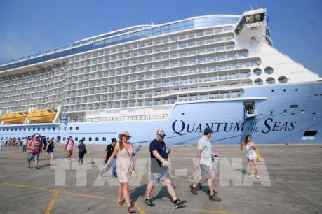 Du thuyền 5 sao hiện đại nhất thế giới cập cảng Tp. Hồ Chí Minh