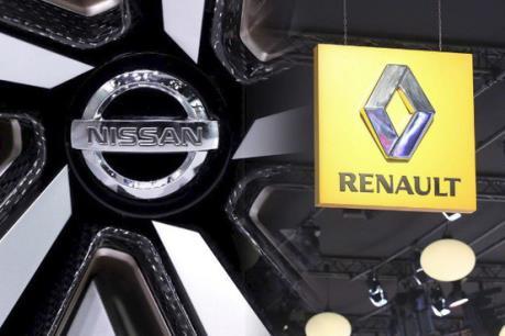 """Cổ phiếu Nissan rớt giá sau tin đồn """"ly hôn"""" với Renault"""