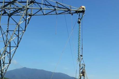 Điện truyền tải giảm do ảnh hưởng của các nhà máy năng lượng tái tạo