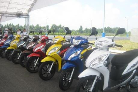 Tháng Tết, doanh số bán ô tô và xe máy của Honda sụt giảm